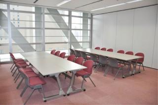 会議室701