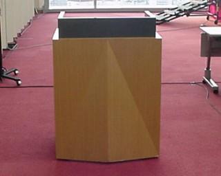 司会者台(10階会議室1001~3)